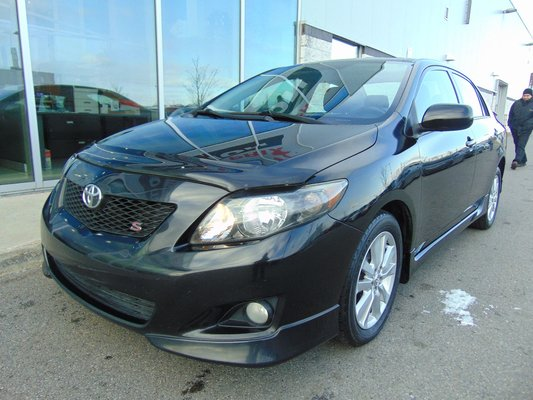 2010 Toyota Corolla S DEAL PENDING AUTO TOIT MAGS
