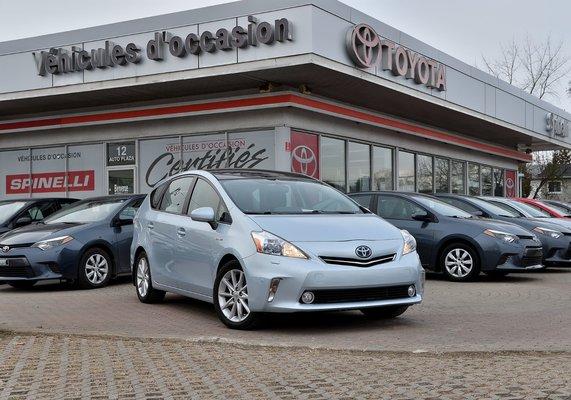 2012 Toyota Prius v TECH PKG TOIT