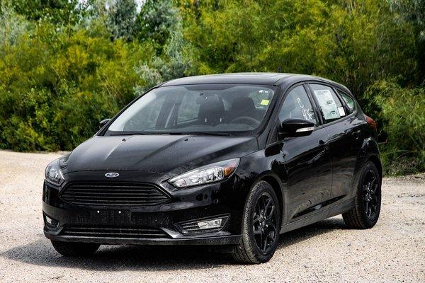 new 2017 ford focus hatchback sel shadow black for sale 17c3293 vickar ford. Black Bedroom Furniture Sets. Home Design Ideas