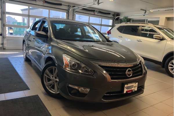 2014 Nissan Altima 2.5 SV *LOCAL TRADE* * TECH PACKAGE*