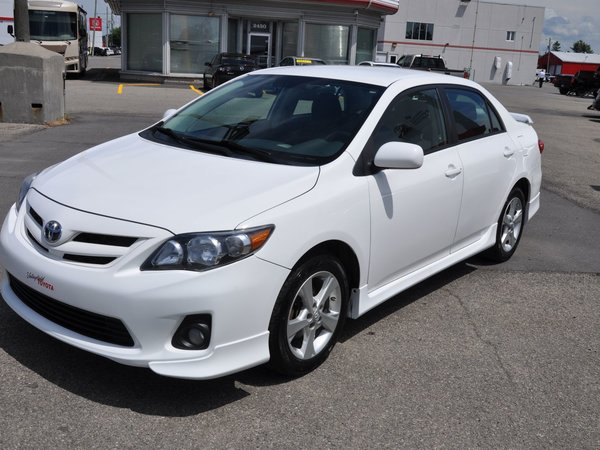 2011 Toyota Corolla S (MAGS,AIR CLIMATISÉ,GROUPE ÉLECTRIQUE)