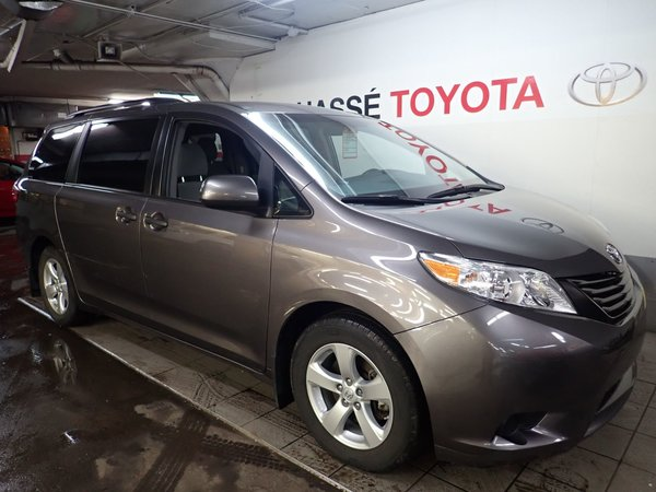 Toyota Sienna 1 Propriétaire seulement 2017