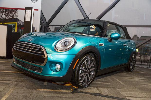 Salon de l'Auto d'Ottawa : MINI Cooper Cabriolet 2016