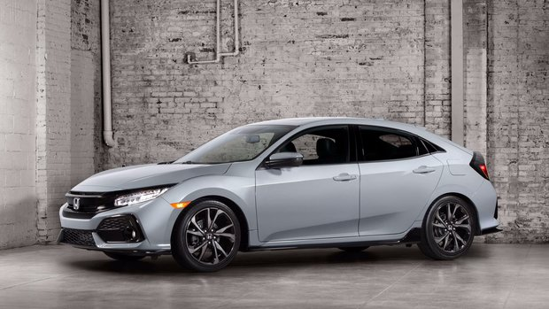The 2017 Civic Hatchback is Steaming Hot and it's Coming to Ottawa, Ontario