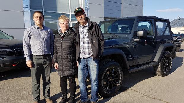 Un gros merci à M.Dany Patry et Mme. Julie Caron pour l'achat de leur nouveau jouet...un Jeep Wrangler.