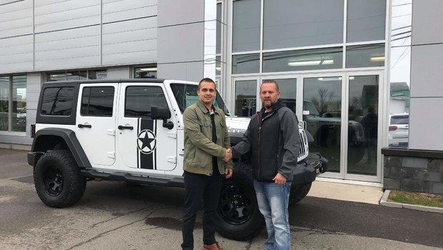 Merci à M. Yvan Castonguay pour son l'achat de son superbe Jeep Wrangler. Bonne route.