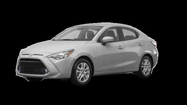 Toyota yaris berline premium 2017 vendre laval for Interieur yaris 2017