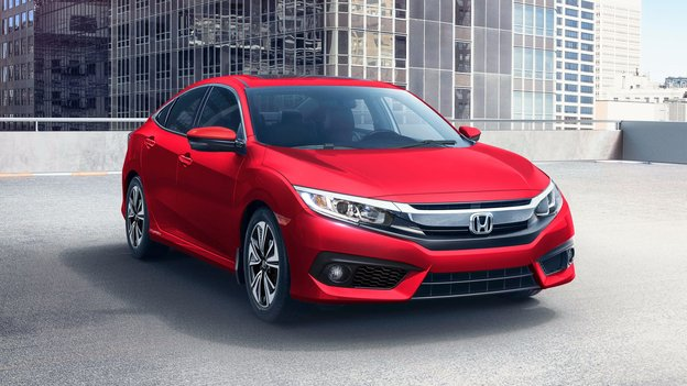 2018 Toyota Corolla vs 2018 Honda Civic in Magog