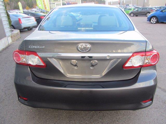 Toyota Corolla LE 2013 TRES PROPRE