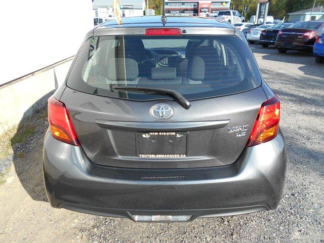 Toyota Yaris LE 2016 COMME NEUF