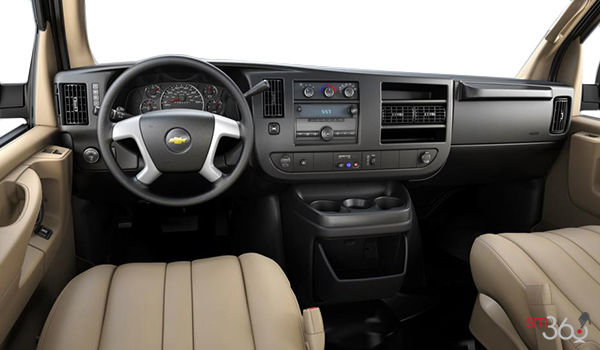 2017 Chevrolet Express 3500 CARGO | Photo 3 | Neutral Vinyl