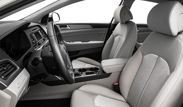 2017 Hyundai Sonata Hybrid BASE | Photo 1 | Grey Cloth