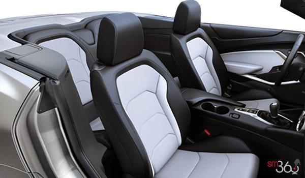2018 Chevrolet Camaro convertible 2LT   Photo 1   Ceramic White Leather (H13-A50)