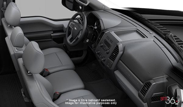 2018 Ford Chassis Cab F-550 XL | Photo 1 | Medium Earth Grey HD Vinyl (LS)