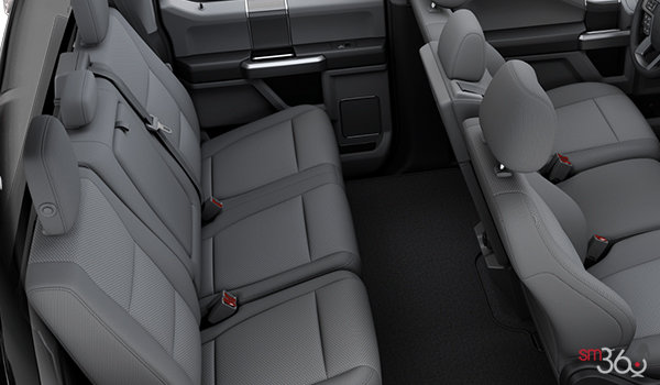 2018 Ford Chassis Cab F-550 XLT | Photo 2 | Medium Earth Grey Cloth Split Bench (3S)