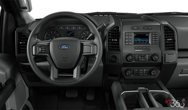 2018 Ford F-150 XL | Photo 3 | Medium Earth Grey Cloth Bucket Seats (WG)