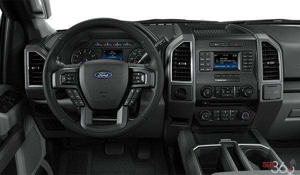 2018 Ford F-150 XLT   Photo 3   Medium Earth Grey Cloth Bucket  Seats (UG)