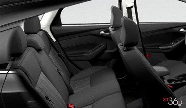 2018 Ford Focus Hatchback SE | Photo 2 | Charcoal Black Premium Cloth