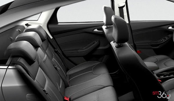 2018 Ford Focus Sedan TITANIUM | Photo 2 | Charcoal Black Leather
