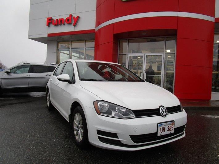 2015 Volkswagen Golf TSI w/Heated front seats, $149 B/W MANUAL