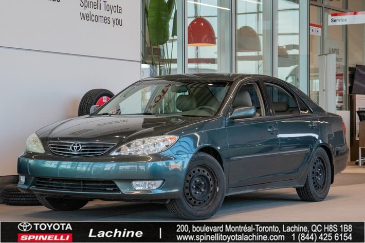 2006 Toyota Camry XLE IMPECCABLE! IMPORTED FROM UNITED STATES! ODOMETER CALIBRATED IN MILES! AIR CONDITIONED! LEATHER!