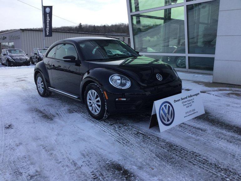 2018 Volkswagen The Beetle Trendline 2.0T 6sp at w/Tip