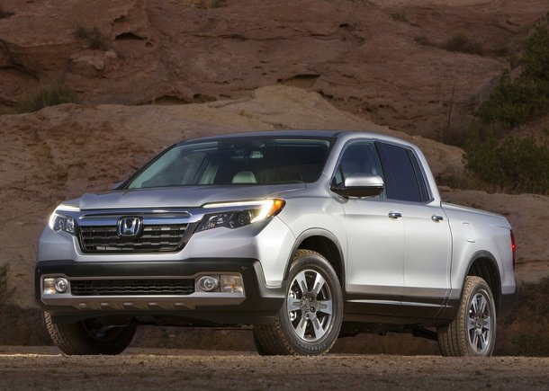 Honda unveils new Ridgeline in Detroit and Civic Coupe in Montreal