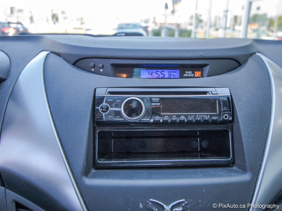 2013 Hyundai Elantra GLS DEM. A DISTANCE * CARPROOF CLEAN!